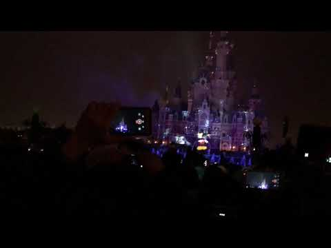 Let it go ( Disney land firework at Shanghai )