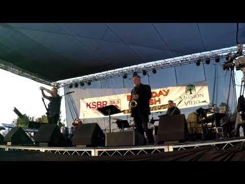 Freedom at Midnight - David Benoit @ 2015 KSBR Bash (Smooth Jazz Family)