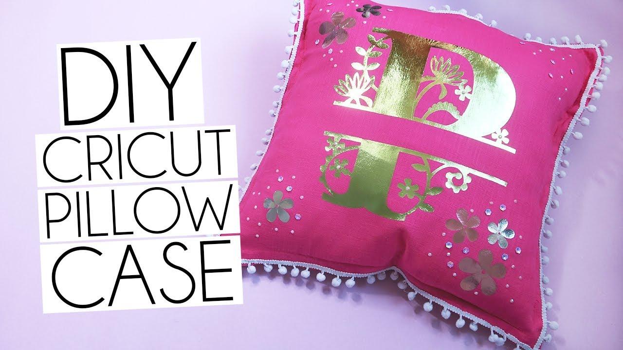 Diy Cricut Iron On Foils Personalised Pillow Tutorial Youtube