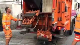Die Müllabfuhr auf Tour durch Salzburg(, 2016-06-10T13:25:20.000Z)
