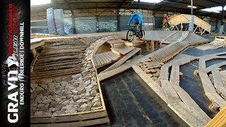 Indoor Mountainbike Trail & Dirtpark in Frankreich   BIKEPARK STRIDE - Park Check   Leo Kast #163