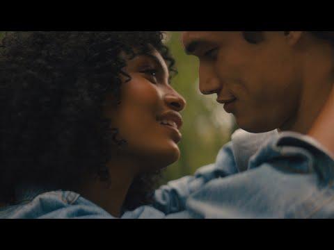 El Sol También Es Una Estrella - Trailer Oficial