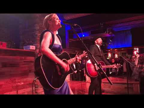 Sugarland - Baby Girl - Nashville, TN 11/8/17