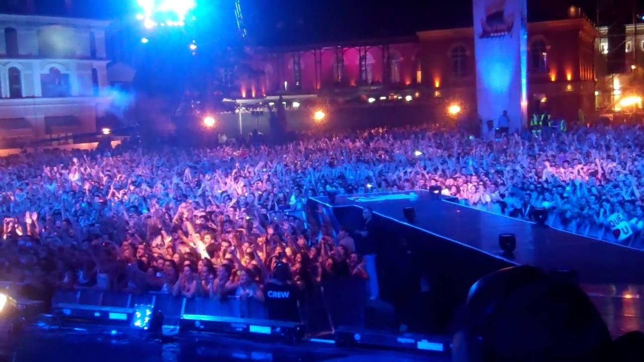 Enrique Performing in Batumi, Georgia