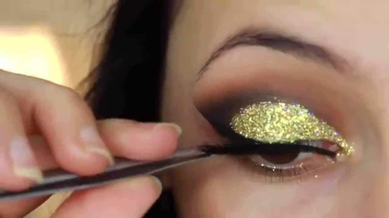 best makeup gold glitter cut crease smokey eye new years eve