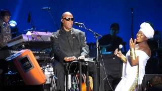 "Stevie Wonder w/ India Arie - ""Silent Night"" Live 2014"
