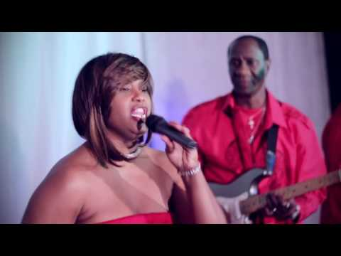 UEB Performs Uptown Funk