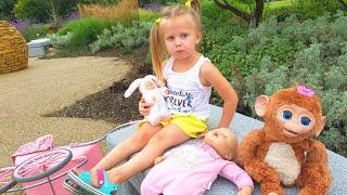 Куклы Играют в ПРЯТКИ 🤡Игры для детей кукла Анабель  Видео для детей Fun for kids коляска для кукол