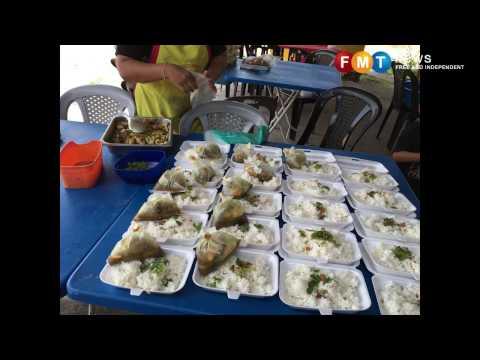 'Warong Seringgit' di Kluang tawar semua jenis makanan hanya RM1
