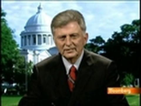 Beebe Says Arkansas Is `Not Dependent' on Municipal Debt: Video