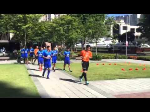 นักฟุตบอลทีมชาติไทยชุดซีเกมส์ ลงซ้อมหน้าโรงแรมเช้านี้