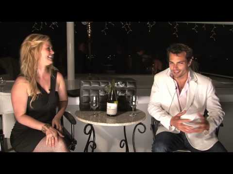 """Actor Scott Elrod from """"The Switch"""" & """"Men in Trees"""" tastes a Chilean Chardonnay"""