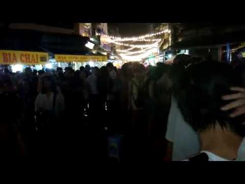 Night Life on Hanoi Old Quarter - Beer Street - (河內老城酒吧街) 2