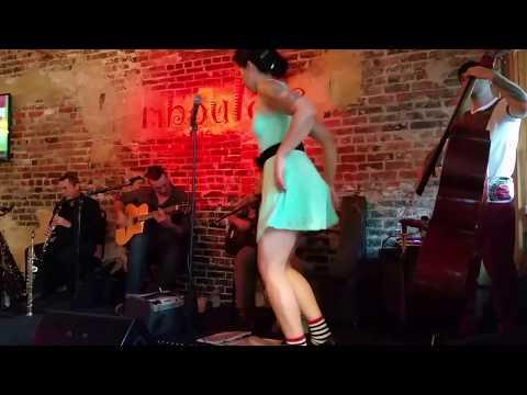 """Mahogany Hall Stomp"" - New Orleans Swinging Gypsies"