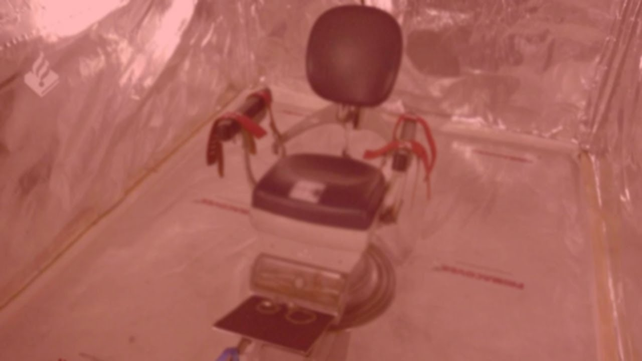 """DARK WEB """"RED ROOM"""" FOUND DURING POLICE RAID AND NOW I'M CURIOUS. POLICE LABEL IT """"TORTURE ROOM"""""""