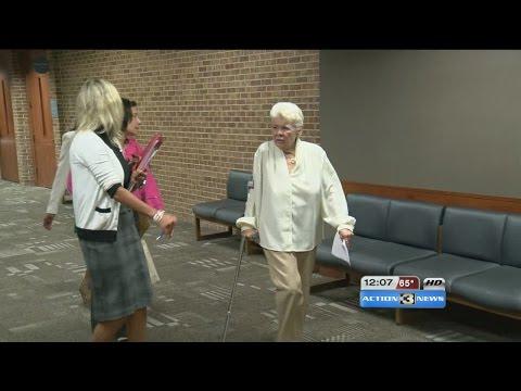 Elderly Omaha woman takes plea deal in scam case