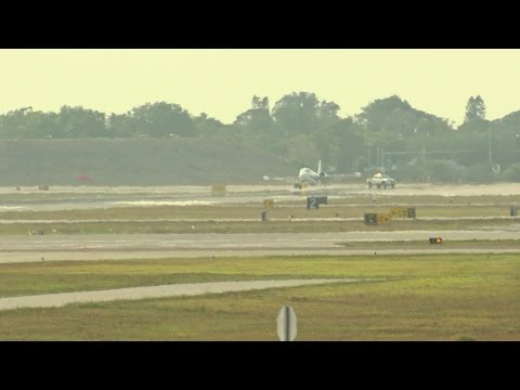 Plane loses wheel, makes emergency landing at Sarasota-Bradenton International Airport