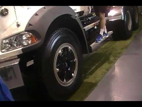 Camiones Mack Granite y Mack Vision en Feria del Transporte 2012 Santiago Chile