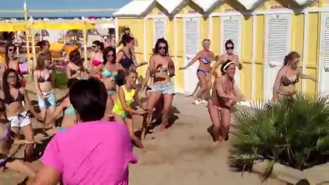 Video Zumba 2014 Bagno 90 Riccione - YouTube