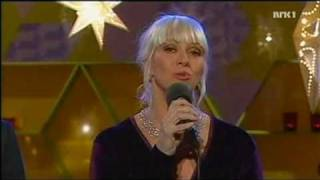 Marian Aas Hansen - Nå Tennes Tusen Julelys (2010)