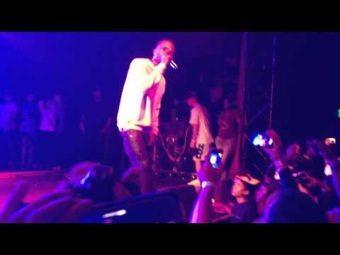 Sunday - Earl Sweatshirt (Feat. Frank Ocean) Live