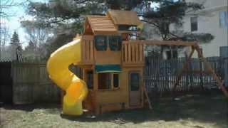 2015 Costco Cedar Summit Clarington Resort Playset