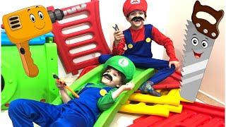 ّأندرو وماكس في غرفة الألعاب | تعرف على المهن للأطفال | مهنة الحِرَفِي
