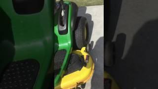 John Deere riding lawn mower D140