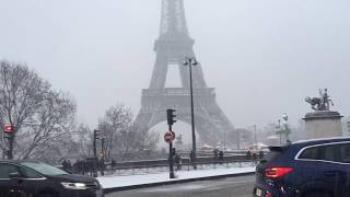Beautiful Snow in Paris Eiffel Tower