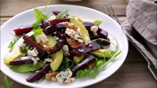 Салат из свеклы, авокадо,грецких орехов и голубого сыра.
