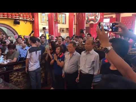 韓國瑜下午前往高雄市三民區玉皇宮參拜