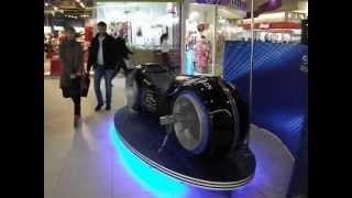 Футуристический мотоцикл выставляется в Иркутске