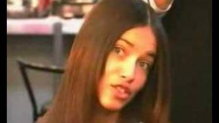 Adriana Lima - Big Kiss Thumbnail