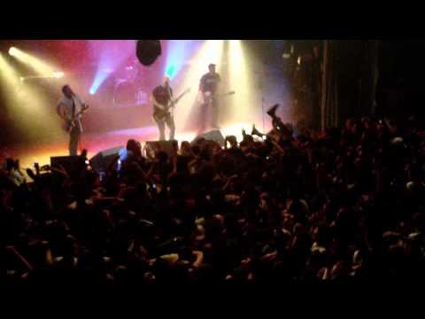 Millencolin @ El Teatro Flores [Parte 1] (07/11/10 - Buenos Aires, Argentina)
