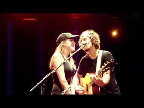Jason Mraz - Lucky (20.9.2011) with happy fan:)