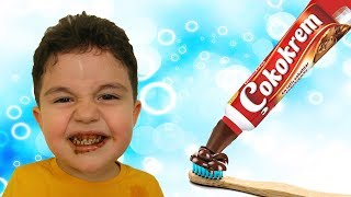 Yusuf'a Diş Macunu Şakası Tooth Paste Joke | Five little monkeys nursery rhymes song