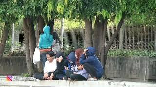 PRANK LEMPAR PETASAN DI SAMPING ORANG, AUTO KAGET - NGAKAK | PRANK INDONESIA
