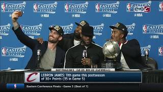 Kevin Love takes selfie with Cavs teammates at postgame podium