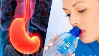 Mira lo que sucede cuando se bebe agua con el estómago vacío