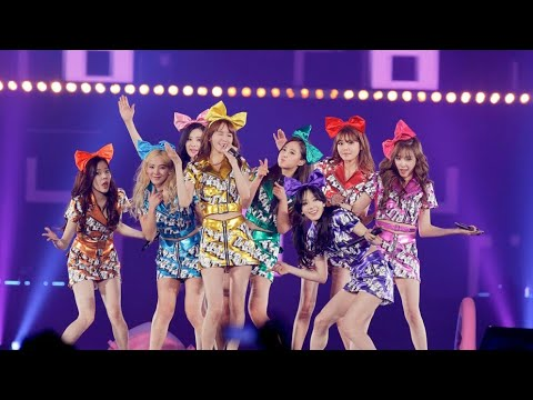 SNSD - Love And Girls @ Tokyo Dome