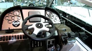 2013 Cruisers Yachts 310 Express Motor Yacht - Walkaround - 2013 Montreal Boat Show