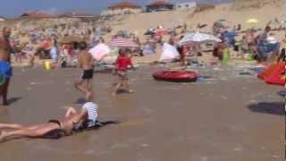 Video Hoge golven op strand Saint Girons download MP3, 3GP, MP4, WEBM, AVI, FLV November 2017