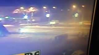 ДТП Уссурийск на центральной площади ночью(в ледовый городок Уссурийска на центральной площади влетел автомобиль за рулем которого был пьяный автовл..., 2015-01-05T12:32:49.000Z)