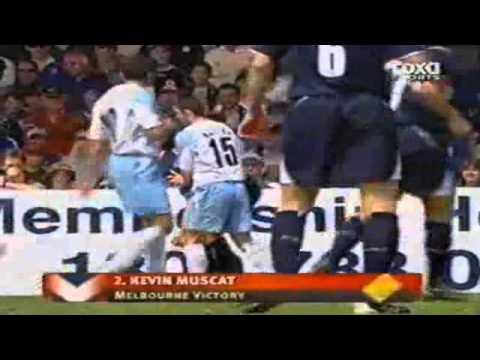 Những pha bao lực trong bóng đá thế giới-Yume TTNV