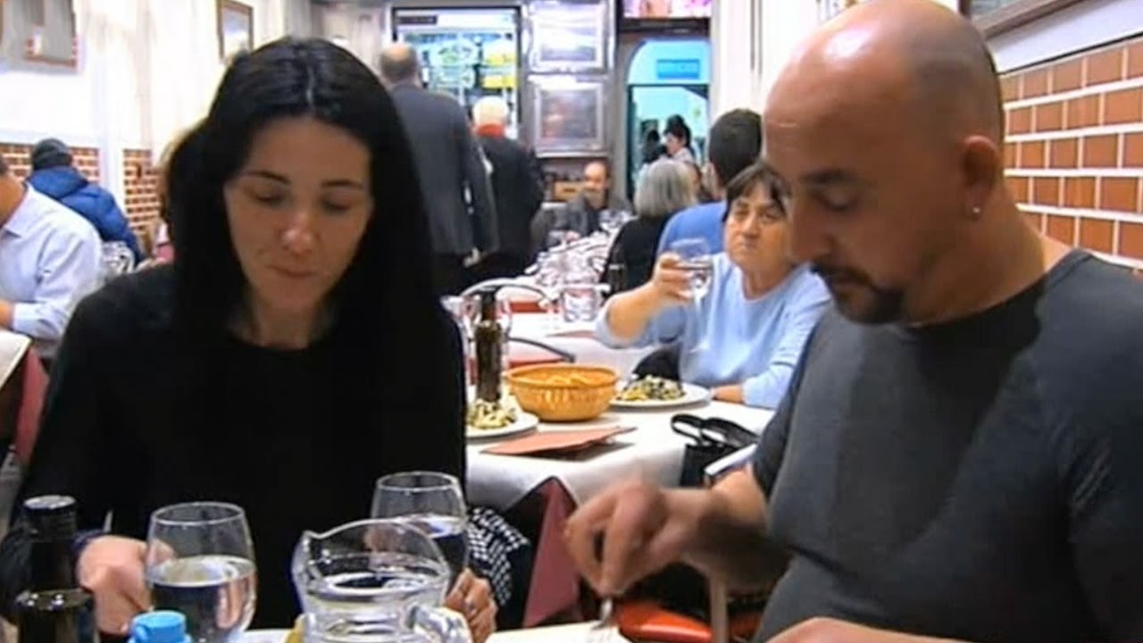 'Robin Hood' restaurant for homeless opens in Madrid