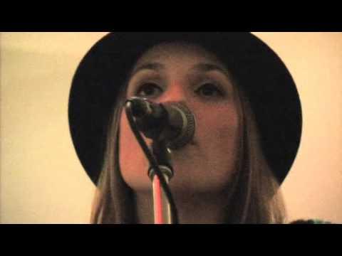 NIA - 23.11.2012 - DON'T LEAVE ME NOW - CAFE' BAUM - DORTMUND