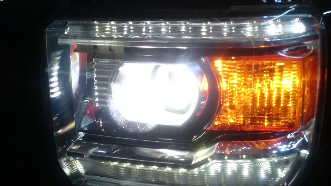 Led Headlights Vs Hid >> Comparativa GMC Sierra 2015 = HID Xenon Vs Led - YouTube