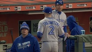 TOR@SF: Goins, Tulo turn slick double play in 4th