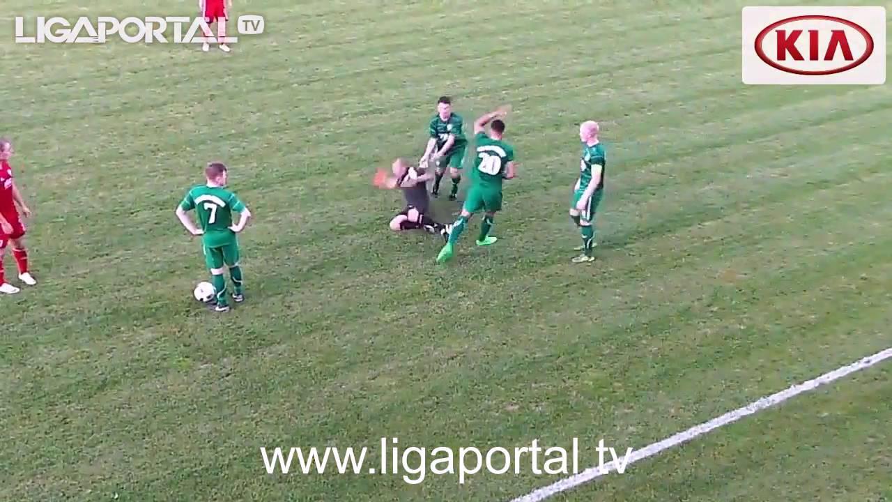 Spielabbruch In Landesliga Spieler Attackiert Schiedsrichter