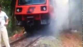 Napoli  Fiamme sul treno della Circumvesuviana 100 persone in fuga